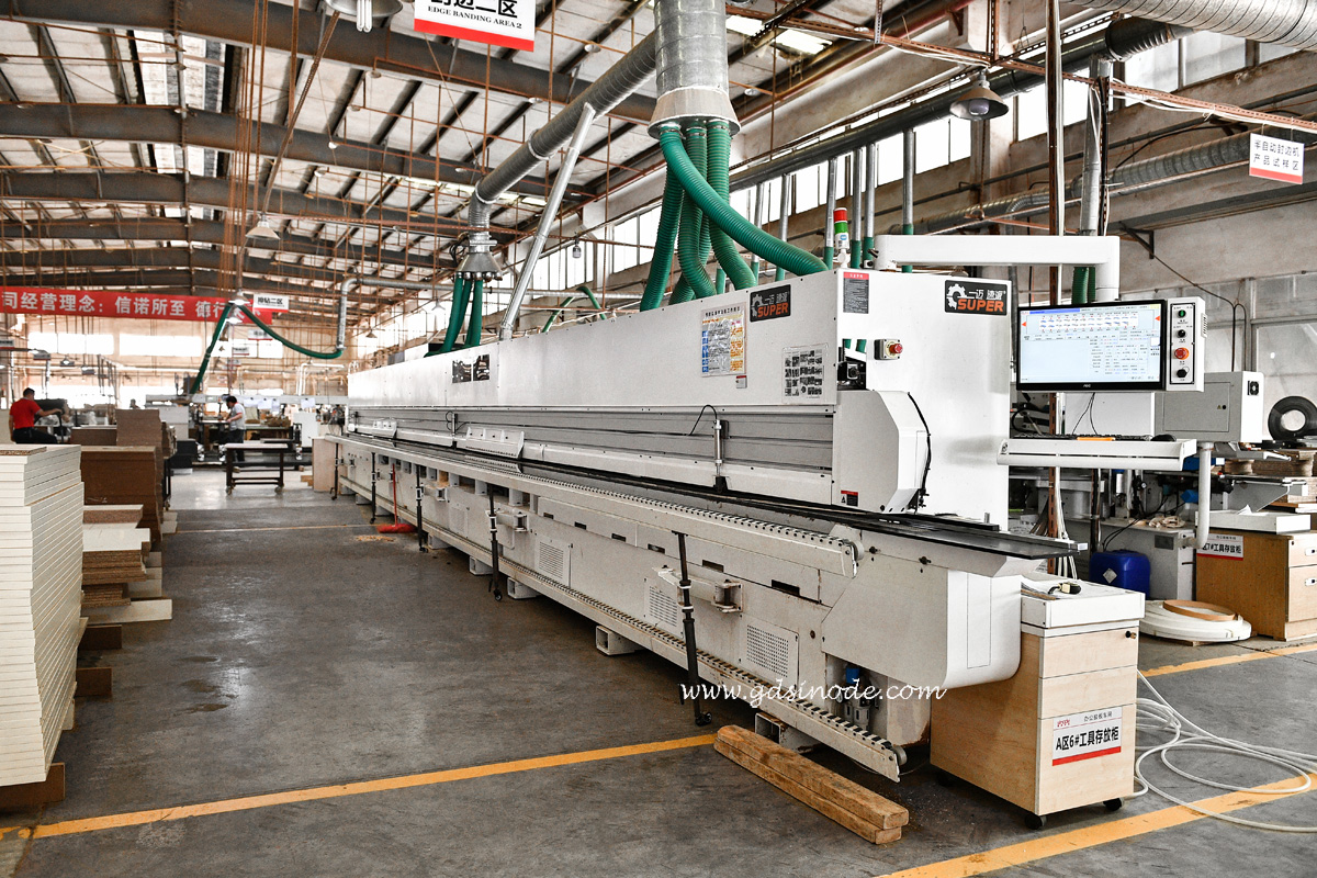Heavy edge banding machine